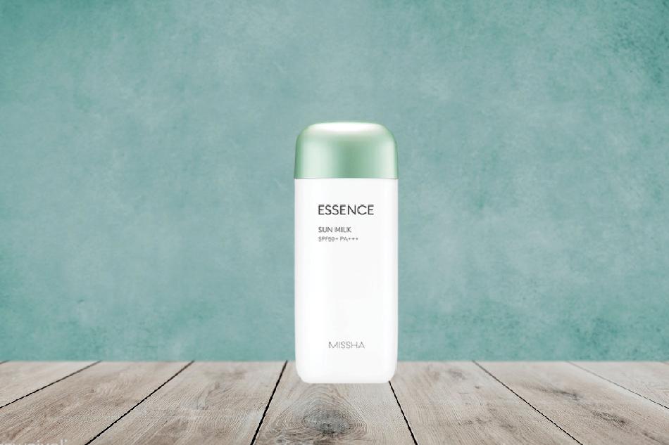 Kem chống nắng Missha Essence Sun Milk màu xanh lá