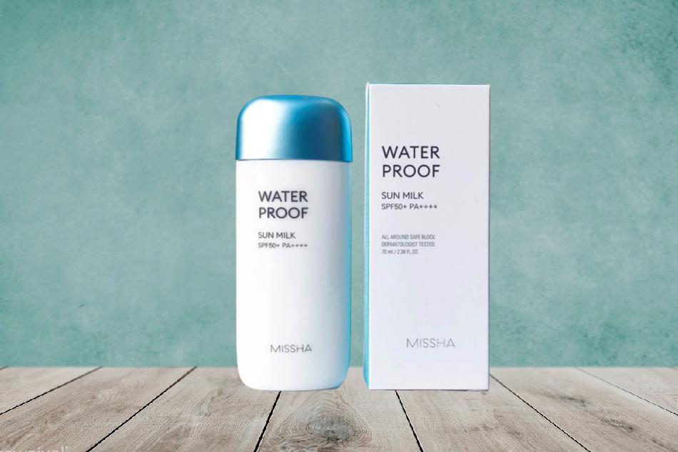 Kem chống nắng Missha Waterproof Sun Milk màu xanh dương