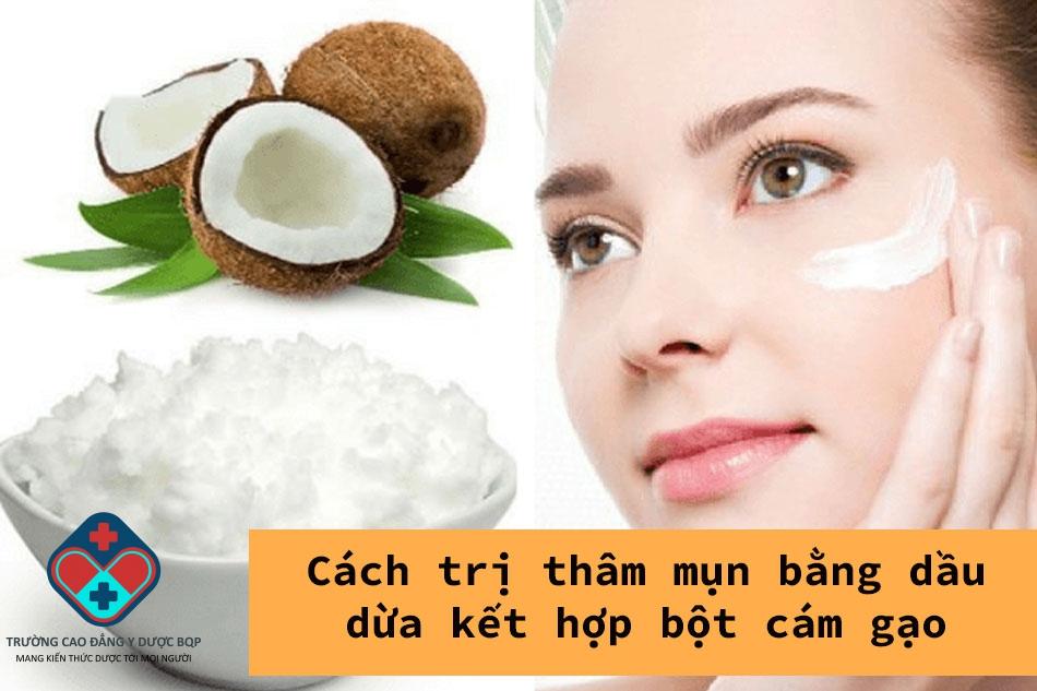 Cách trị thâm mụn bằng dầu dừa kết hợp bột cám gạo